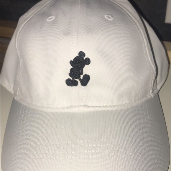 262db1a3f659f0 ... where to buy disney parks exclusive mickey nike hat 6f5d5 6cbdc
